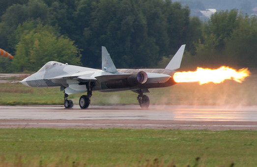 Истребитель Су-57 и мифы о серийном производстве