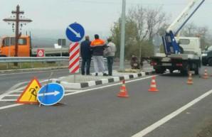 На трассе Одесса - Рени появился первый ограничитель скорости на въезде в село Маяки