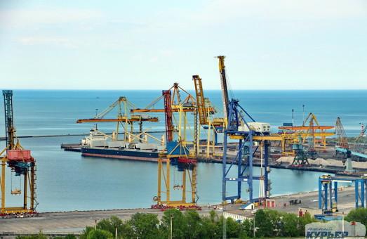 Реконструкция причала в порту Черноморск обойдется в 74 миллиона гривен