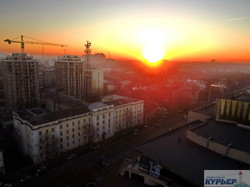 Вечерняя Одесса в огненных красках заходящего солнца (ФОТО, ВИДЕО)