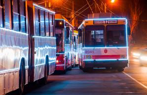 По Одессе проехал красочный парад новогодних троллейбусов (ФОТО, ВИДЕО)