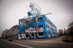 На одесском заводе Стальканат установили металлическую скульптуру (ФОТО)