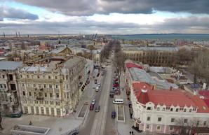 В центре Одессы частично открыли движение автомобилей по Преображенской (ФОТО)