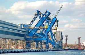 В порту Южный закончили перевалку импортного угля по контрактам прошлого года