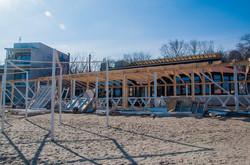 На одесском пляже возводят гигантскую летнюю площадку (ФОТО)