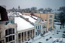Заснеженные крыши и сугробы: Одесса начинает оттаивать (ФОТО)