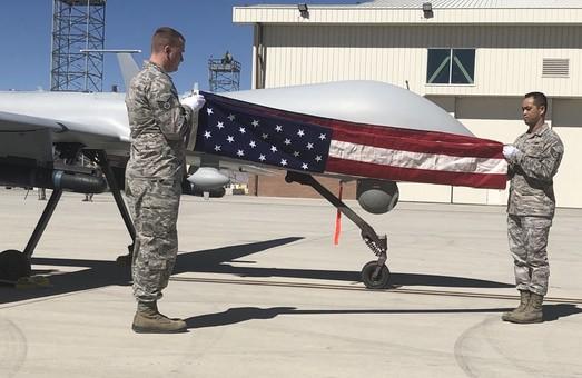"""ВВС США прощаются с """"хищником"""""""