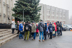 Под Одесским облсоветом митинговали против Сигала и Ройтбурда (ФОТО)