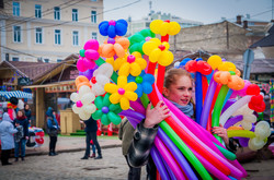 Одесса перед началом Юморины: город оккупировали уточки и клоуны (ФОТО)