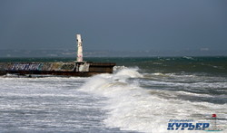На берега Одессы обрушился разрушительный шторм (ФОТО, ВИДЕО)