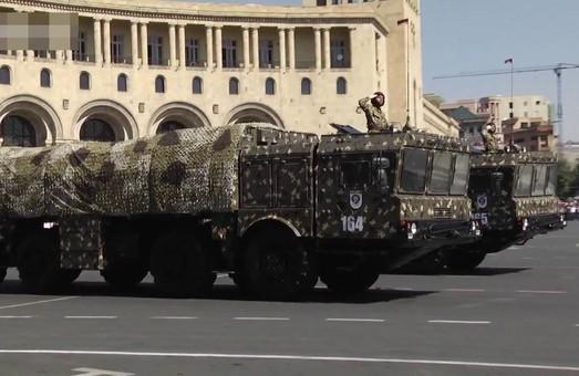 """Кремль решил продать ещё немного ОТРК """"Искандер"""" Армении"""