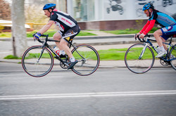 По Одессе промчалась велогонка (ФОТО)