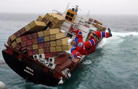 Крупнейшие в мире судоходные компании отказываются работать с Россией