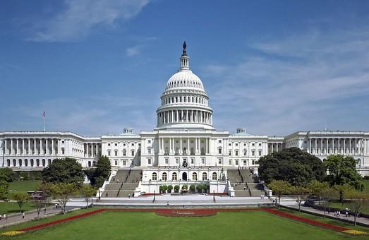 Сенат США взялся за банковские счета россиян по всему миру