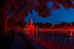 Фонтан в одесском парке Победы заиграл яркими красками (ФОТО)