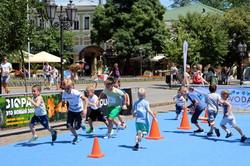 Почти 600 малышей пробежали мини-марафон по Одессе (ФОТО)