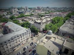 Дерибасовская угол Ришельевской, на первом плане башенка на доме Новикова