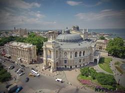 Оперный театр в необычном ракурсе