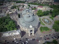 Опера, дом Навроцкого и Театральная площадь