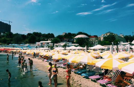 Фото дня: одесситам негде отдыхать на городских пляжах