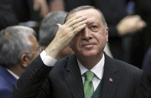 """Эрдогану срочно нужен новый """"поход"""""""