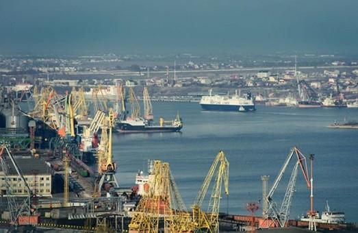 Порт Черноморск увеличил перевалку грузов почти на 30%