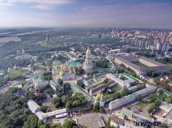 Киев перед сильной грозой с высоты птичьего полета (ФОТО, ВИДЕО)