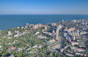 Зеленая Одесса превращается в бетонные джунгли (ФОТО, ВИДЕО)