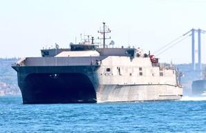 В Черное море вошел самый быстрый десантный корабль ВМС США