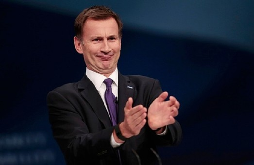 Великобритания призовет к ужесточению санкций против РФ