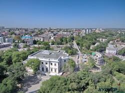 Колоннада Воронцовского дворца в Одессе уже никогда не будет такой, как раньше (ФОТО)