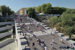 Почти две тысячи одесситов в вышиванках выстроились на Потемкинской лестнице (ФОТО, ВИДЕО)