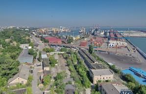Одесский порт отправляет вглубь Украины 15% контейнеров по железной дороге