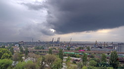 Мрачные тучи опустились на Одессу (ФОТО, ВИДЕО)