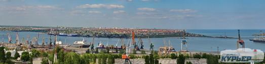 Порт Черноморска увеличил перевалку грузов