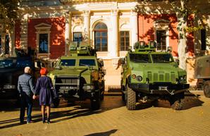 На Думской площади проходит выставка военной техники (ФОТО)