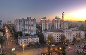 В Одессе около театра Музкомедии начинают строить еще одну высотку (ФОТО)
