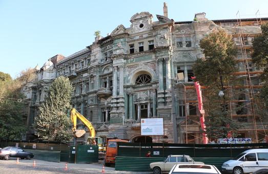 Если повезет, то восстановление дома Руссова закончится к следующему дню Одессы