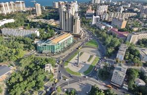Обелиск на площади Десятого апреля отремонтируют