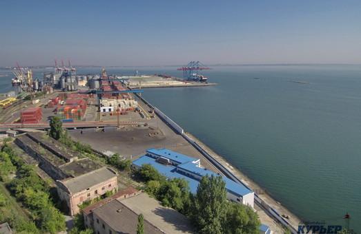 В «Укрзализныце» ограничили отправку зерновых грузов в порты Большой Одессы