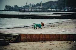 Одесские пляжи после шторма: разбитая набережная и тонны ракушек (ФОТО)