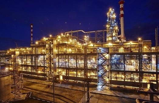 Кризис в России настигает уже и нефтеперерабатывающую отрасль