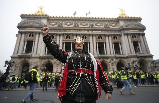 Спад протестных настроений во Франции или Кремль на долго не хватило