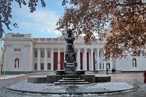 Одесская облгосадминистрация собирается отремонтировать одесский горсовет за очень дополнительные деньги