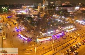 По Одессе проедет парад рождественских трамваев