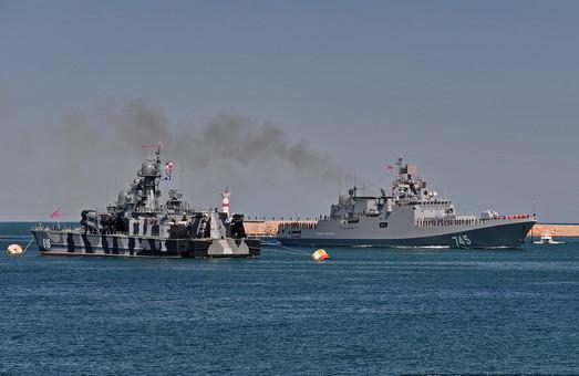 """Российский фрегат отправляется на ремонт, не успев """"навоеваться"""""""