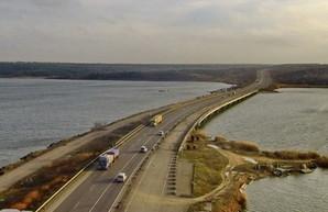 Почему до сих пор не ремонтируют мост через Хаджибейский лиман в Одесской области