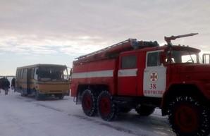 Снегопад и гололед в Одесской области осложнил движение на некоторых автодорогах