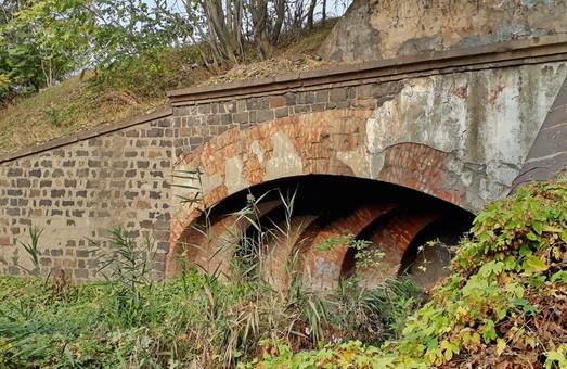 Одесские тайны: старинный тоннель под железной дорогой (ФОТО, ВИДЕО)