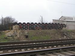 В Одессе был забор, построенный из колес артиллерийских установок (ФОТО)